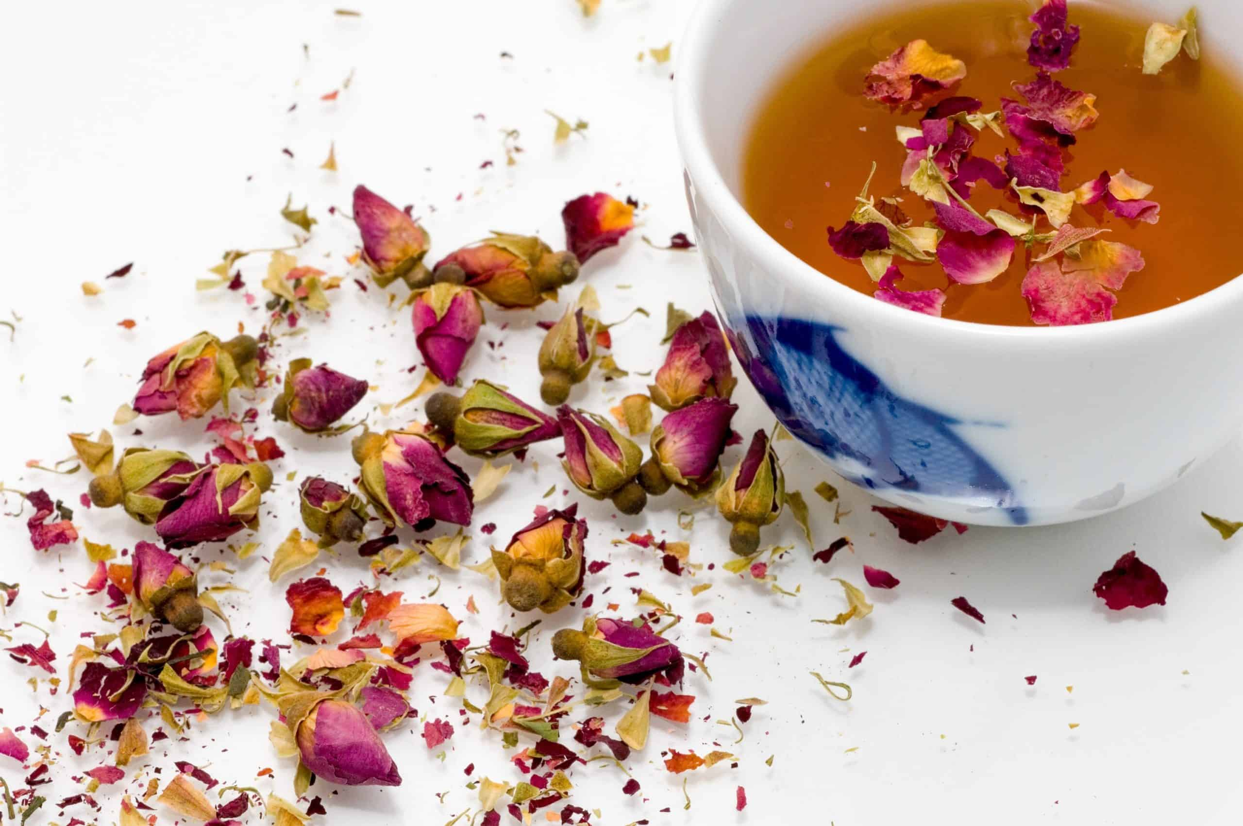 What Is Rose Tea, Its Benefits And Uses